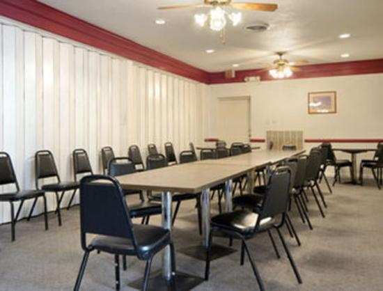 Days Inn Bedford: Meeting Room