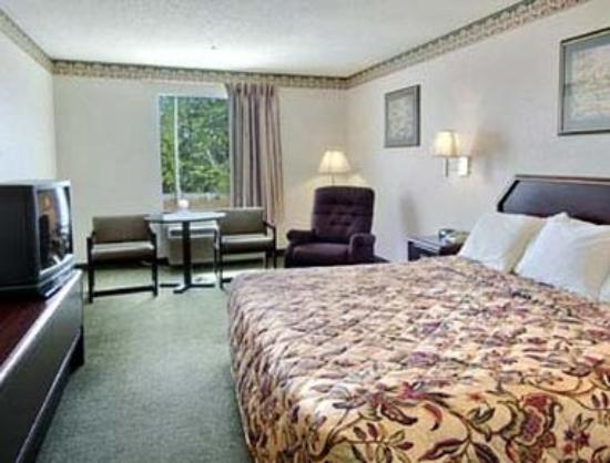 Days Inn Gray: Standard King Bed Room