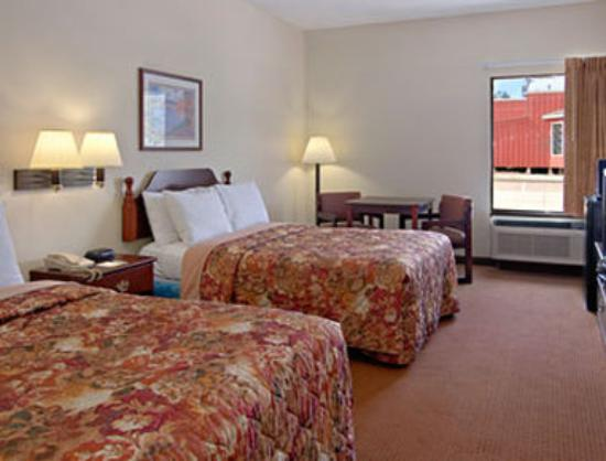 Days Inn Rayne : Standard Two Double Bed Room