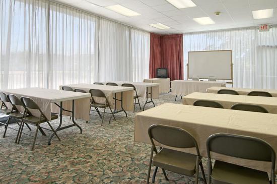 Americas Best Value Inn- Independence: Meeting Space