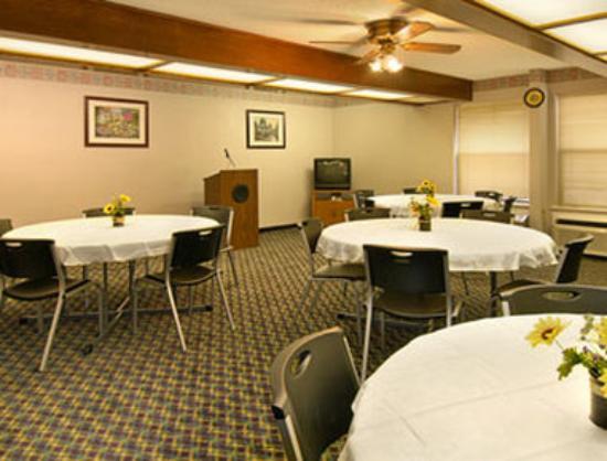 Days Inn Southern Hills/ORU: Meeting Room