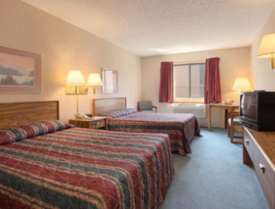 Days Inn Sturgis : Standard Two Queen Bed Room