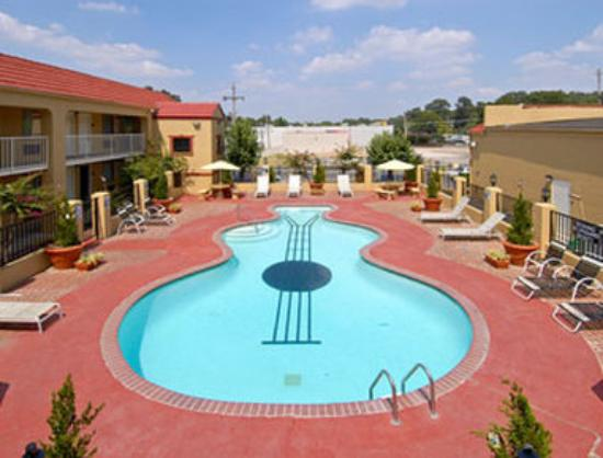 Days Inn Memphis at Graceland: Pool
