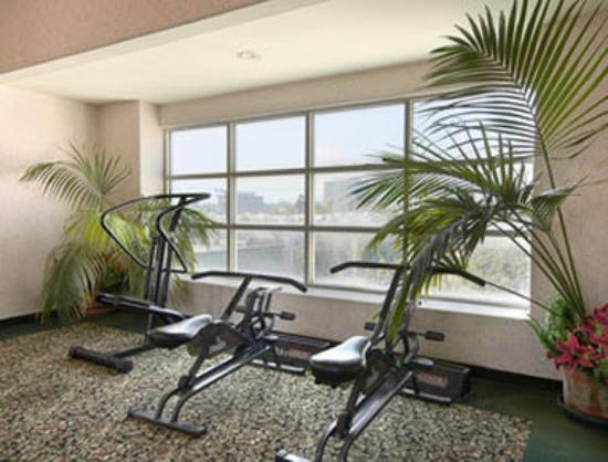 Days Inn Santa Monica/los Angeles : Fitness Center