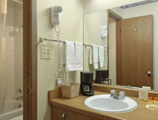 Knights Inn Abilene: Bathroom
