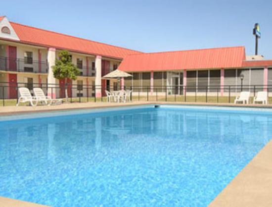 Photo of Searcy-Days Inn