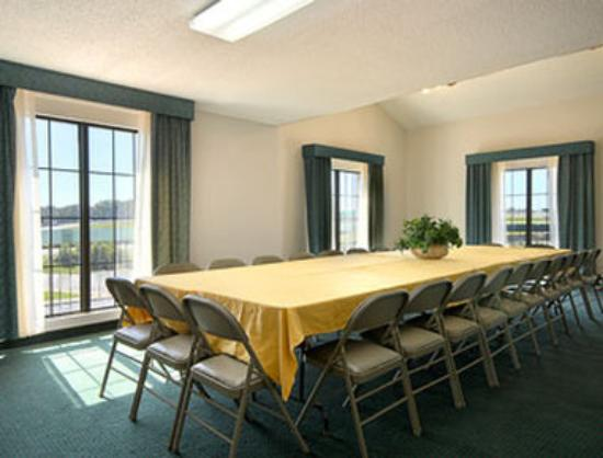 Days Inn Richmond/South: Meeting Rooms
