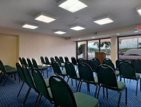 meeting room picture of days inn by wyndham newark. Black Bedroom Furniture Sets. Home Design Ideas