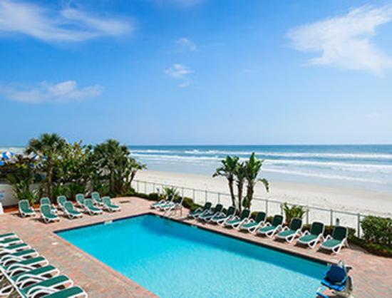 Days Inn Daytona Oceanfront: Pool