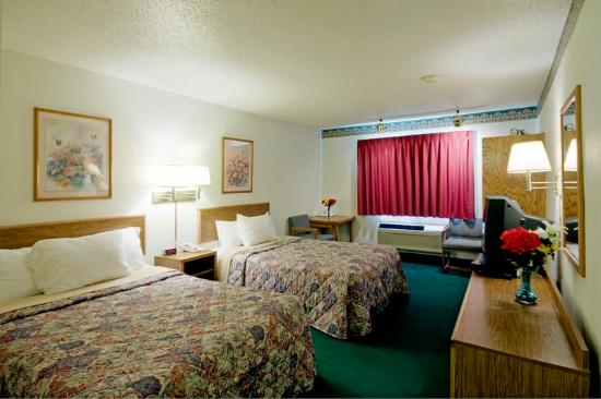 Americas Best Value Inn & Suites: Standard Two Beds
