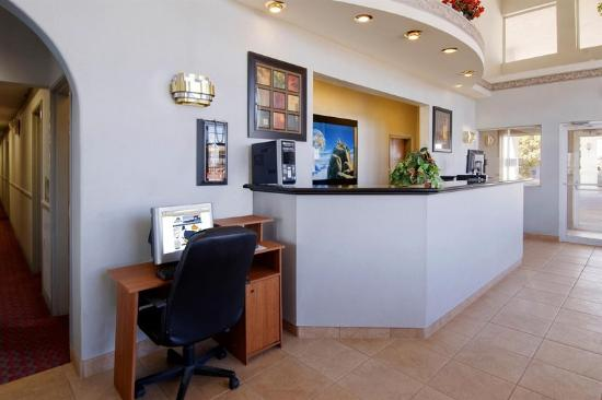 Americas Best Value Inn - Winslow: Business Center