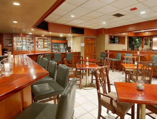 Days Inn Conference Center Southern Pines Pinehurst: Lounge