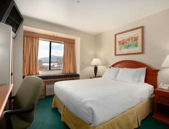 Days Inn & Suites Camp Verde Arizona: Standard King Bed Room