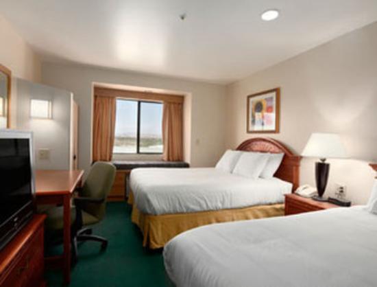 Days Inn Camp Verde Arizona : Standard Two Queen Bed Room