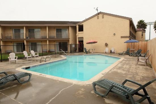 Aloha Inn: Pool