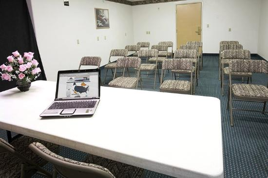 Americas Best Value Inn & Suites Colorado Springs: Meeting Room