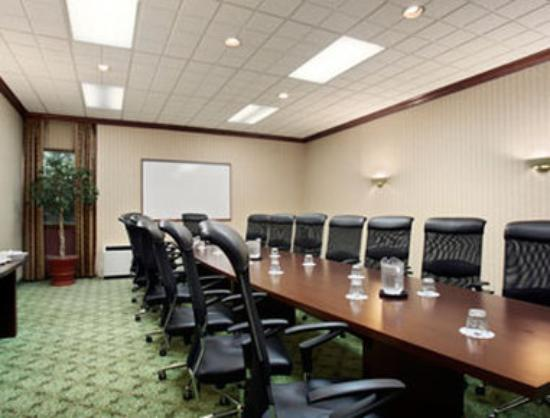 Ramada Lansing Hotel And Conference Center: Boardroom HRC