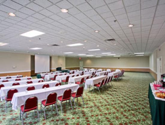 Ramada Lansing Hotel And Conference Center : Meeting Room American