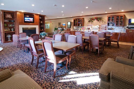Lexington Inn & Suites of Stillwater / Minneapolis: Breakfast Area