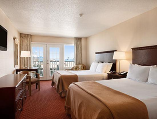 Howard Johnson Plaza Hotel - Ocean City Oceanfront: Standard Two Double Bed Room