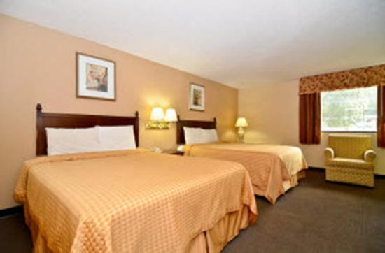 Americas Best Value Inn: Two Queens Two