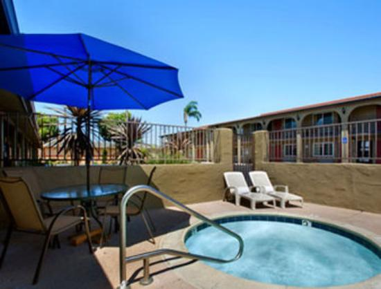 Howard Johnson Express Inn National City/San Diego South: Jacuzzi