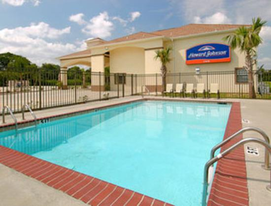 Howard Johnson Lafayette: Pool