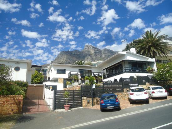 51 On Camps Bay Guesthouse: B&B exterior