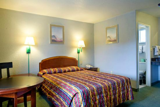 Americas Best Value Inn-Seaside North : King Guest Room
