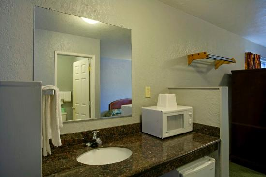 Americas Best Value Inn-Seaside North: In Room Amenitie