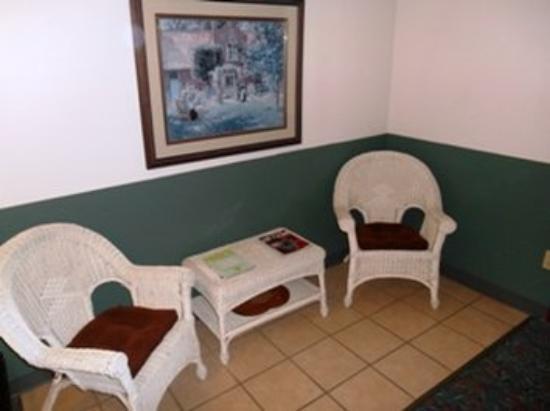Americas Best Value Inn Sauk Centre: Other Hotel Services/Amenities