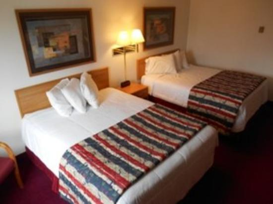 Americas Best Value Inn Sauk Centre: Other Hotel Services/Amenities