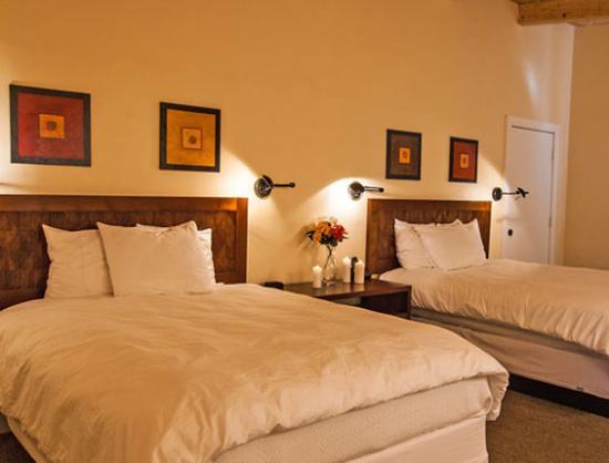 Mount Princeton Hot Springs Resort: Cliffside
