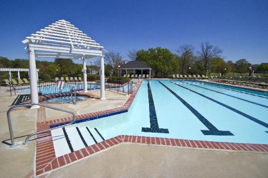 The Historic Powhatan Resort: Pool
