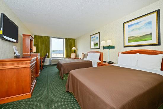 Americas Best Value Inn: Two Bed Guest Room