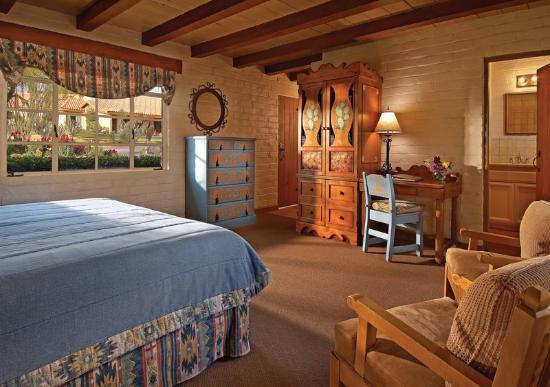 Rancho de los Caballeros: Ranch Room