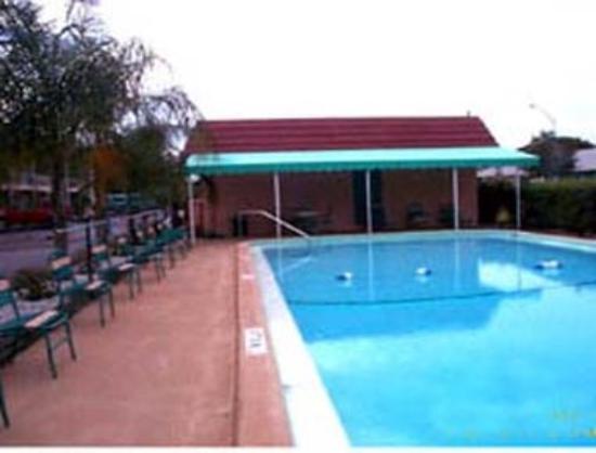 Knights Inn Sarasota: Pool