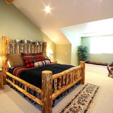 Moose Hollow Luxury Condominiums : Bedroom