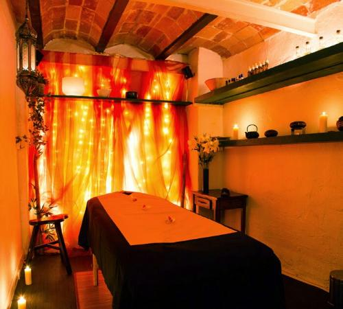 KIroMASAJE: One of the beautiful massage rooms  - imagine relaxing music and essencial oil fragrances