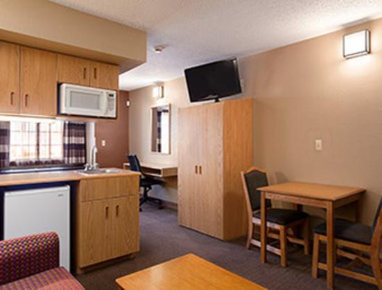 Microtel Inn & Suites by Wyndham El Paso Airport: Suite