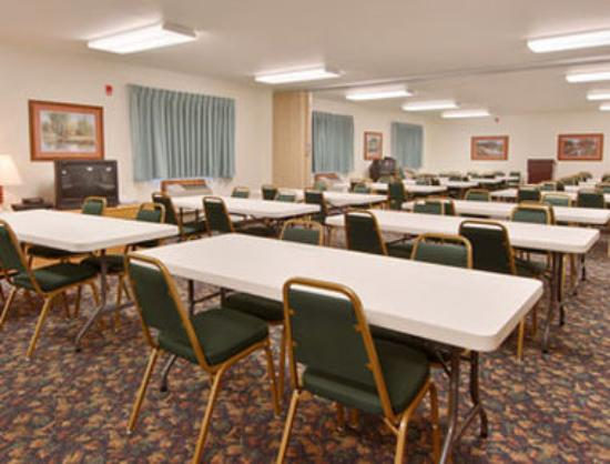 Super 8 Hill City/Mt. Rushmore/ Area: Meeting Room