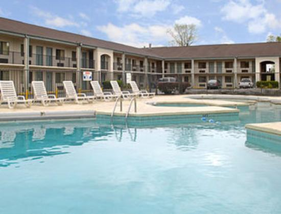 Travelodge Knoxville West: Pool