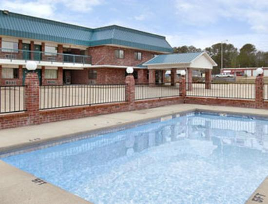 Super 8 Kosciusko: Pool