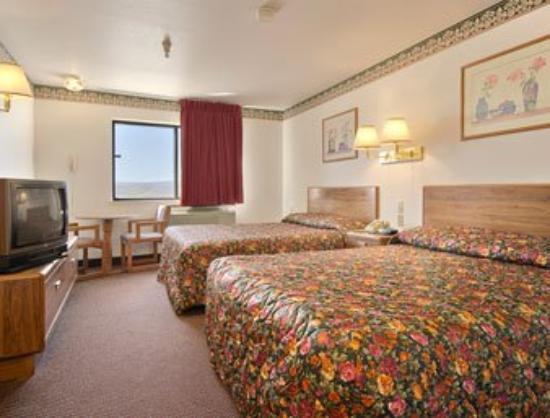 سوبر 8 رولينز: Guest Room