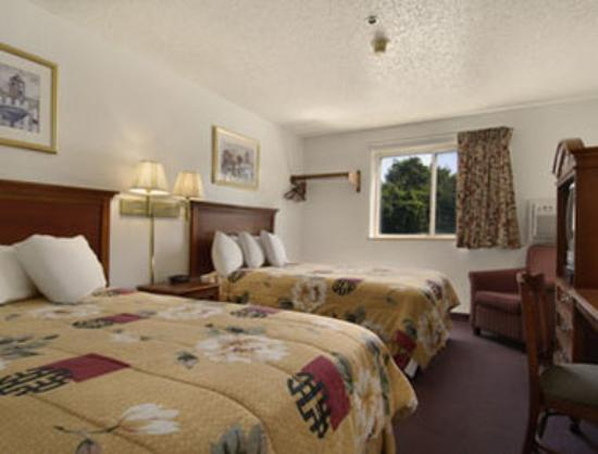 Baymont Inn & Suites Huber Heights Dayton: Standard Double Double Bed Room
