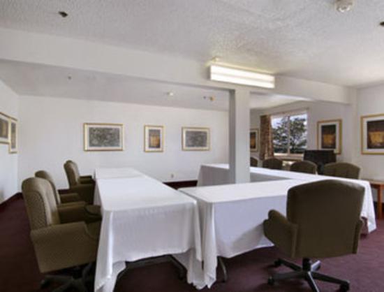Baymont Inn & Suites Huber Heights Dayton: Meeting Room