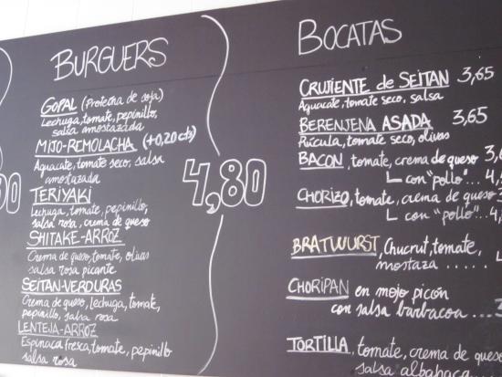 Gopal Restaurant - Barcelona : Simple, friendly chalkboard menu