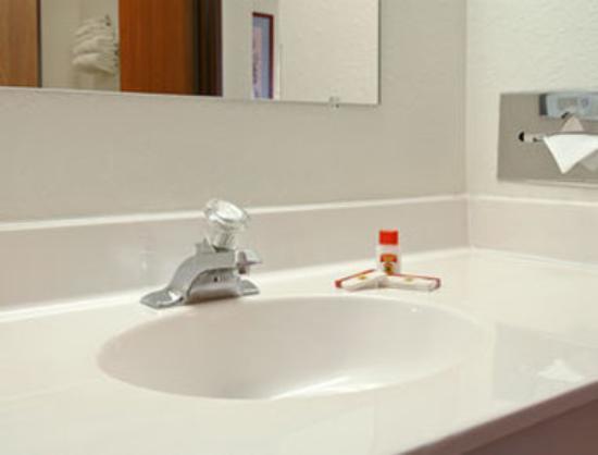 Saukville, WI: Bathroom