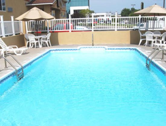 Super 8 Independence Kansas City : Pool