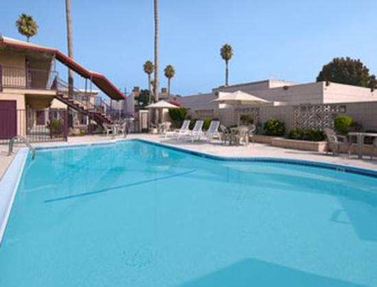 Super 8 Los Angeles-Culver City Area: Pool
